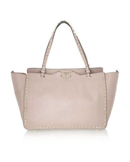 221b7c0b1e Valentino - Pink Sac Trapèze En Cuir Rockstud Medium Garavani - Lyst ...