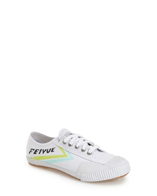 Feiyue | White 'fe Lo Classic' Canvas Sneaker | Lyst