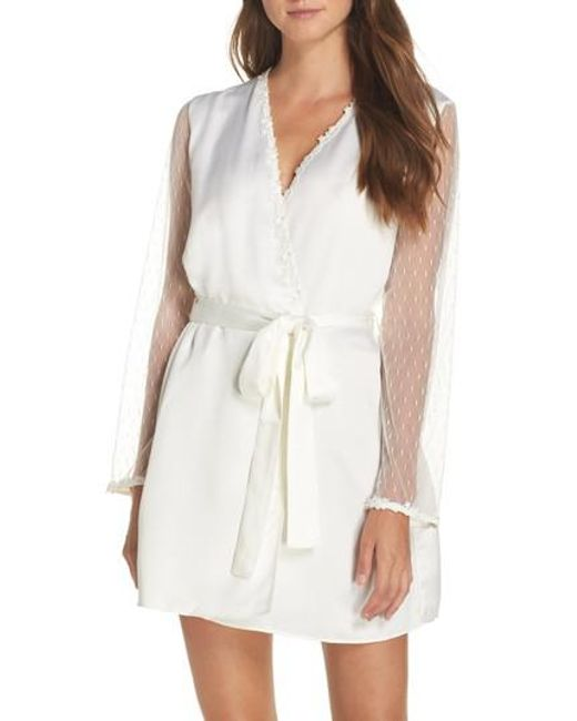 Flora Nikrooz - White Showstopper Robe - Lyst