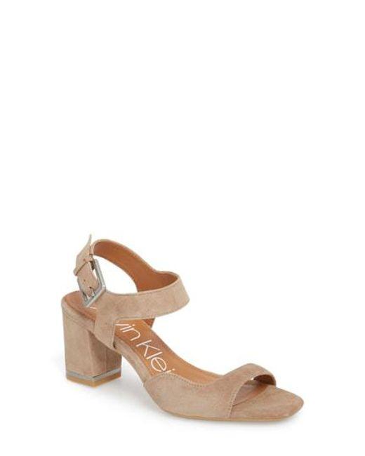 Calvin Klein Women's Chantay Asymmetrical Sandal 6SP4cCV5