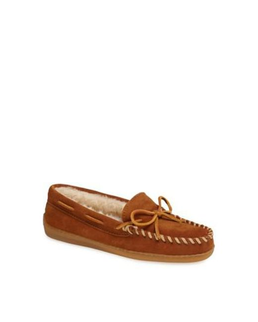 Minnetonka - Brown Moccasin Slipper - Lyst