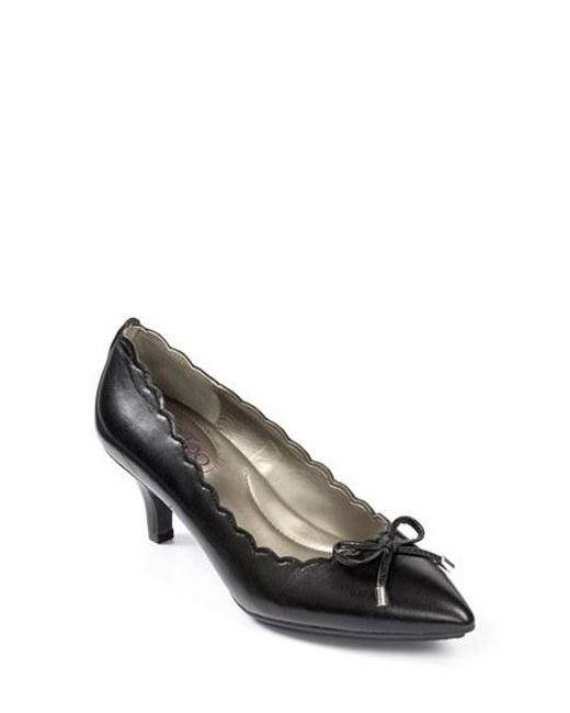 Me Too | Black Caprice Scalloped Pointed-Toe Pumps  | Lyst