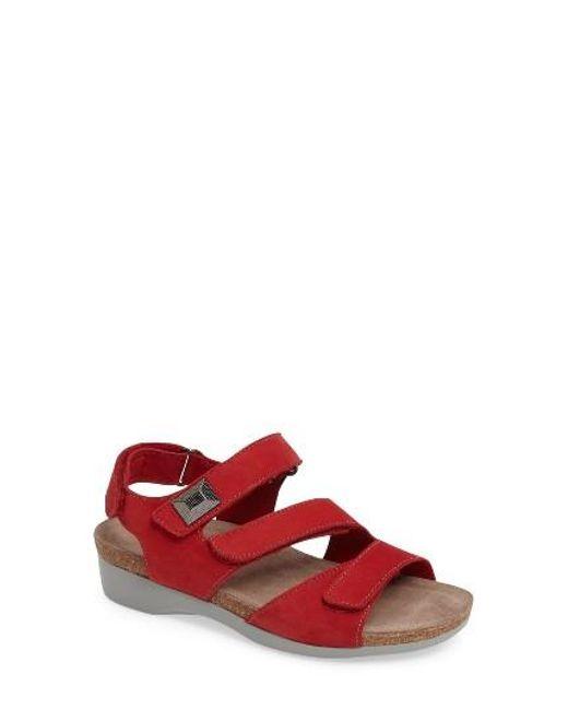 Munro Shoes Kaya Red   N