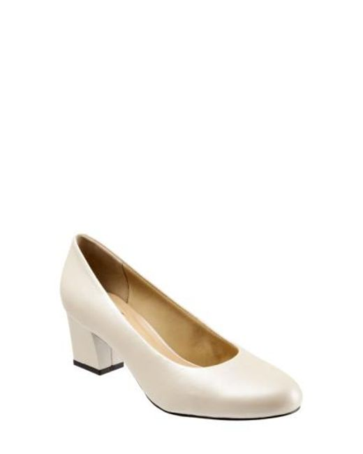 Trotters | Natural 'candela' Pump | Lyst