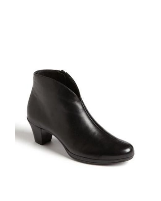 Munro | Black 'robyn' Boot | Lyst
