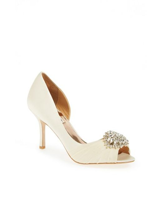 Badgley Mischka | White 'pearson' Pump | Lyst