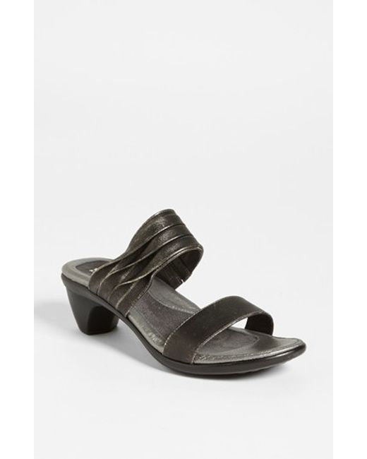 Naot | Metallic 'isis' Sandal | Lyst