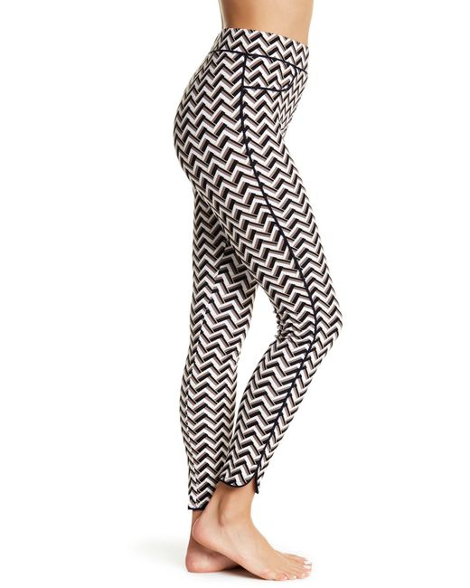 Hue | Multicolor Chevron Piped Print Ponte Skimmer Leggings | Lyst