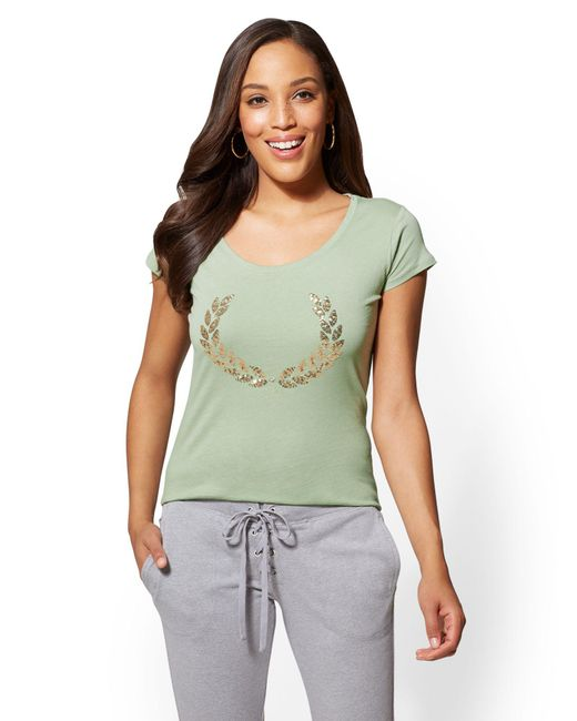 New York & Company - Green Sequin Laurel Wreath Graphic Logo Tee - Lyst