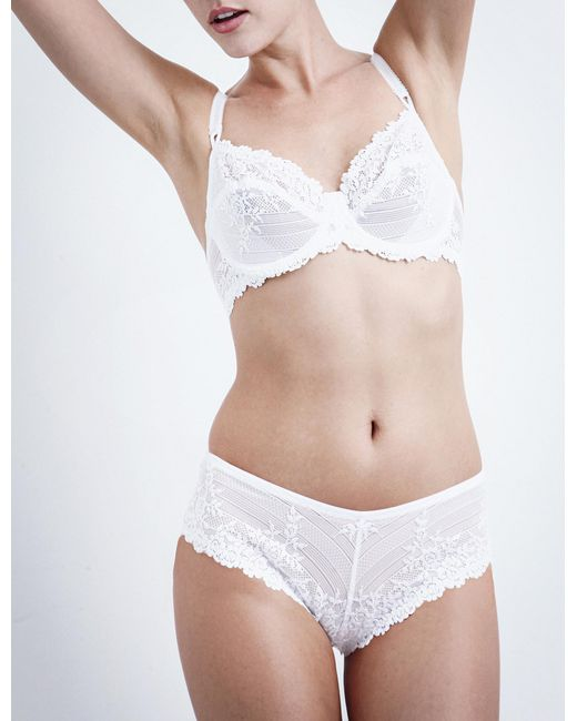 Wacoal | White Embrace Lace Stretch-lace Underwired Bra | Lyst