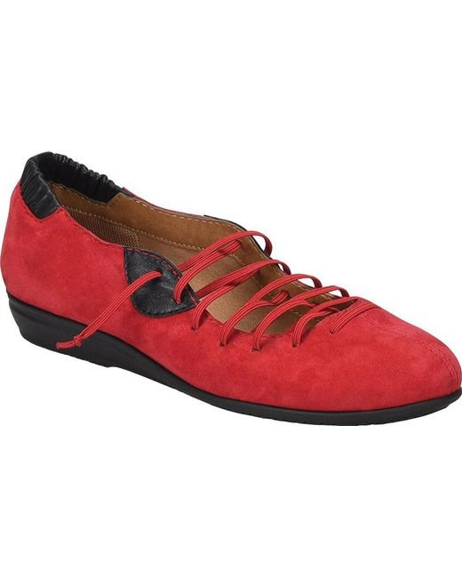Comfortiva Excel Lace-Up Low Wedge (Women's)