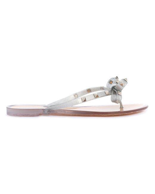 Valentino - Metallic Garavani Rockstud Bow Flip Flop - Lyst
