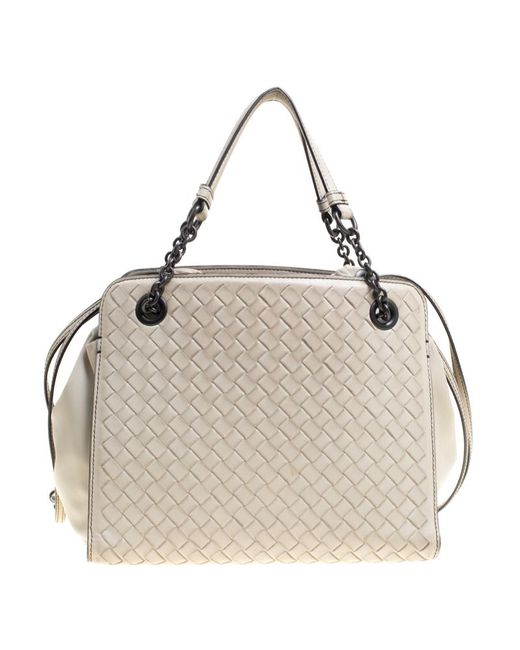 ... Bottega Veneta - Natural Intrecciato Leather Convertible Drawstring Shoulder  Bag - Lyst ... e0de021807