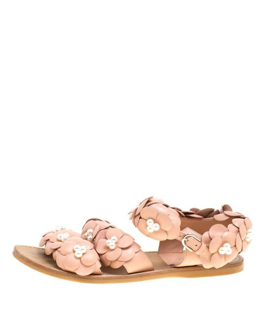 9c378c6d773 ... Chanel - Natural Leather Cc Camellia Flower And Faux Pearls Flat Sandals  - Lyst ...