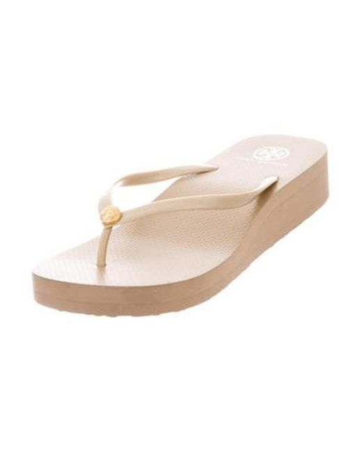 0ee856c330ff20 ... Tory Burch - Natural Rubber Thong Sandals Tan - Lyst ...