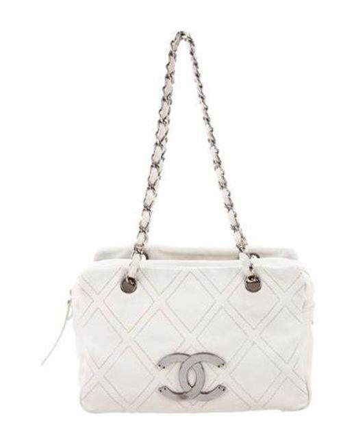 022462cc73eb Chanel - Natural Diamond Stitch Shoulder Bag Neutrals - Lyst ...