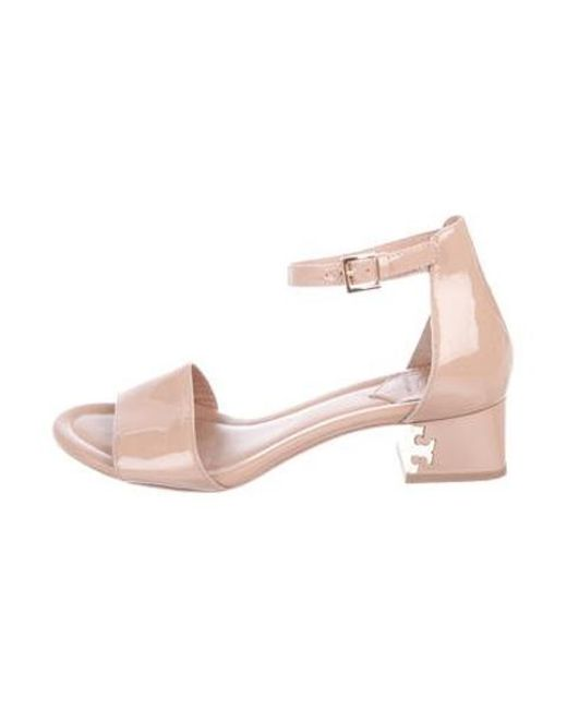 58c67deae2313b Tory Burch - Metallic Patent Leather Ankle Strap Sandals Beige - Lyst ...