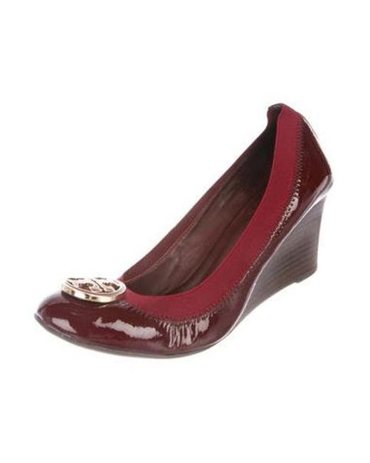 2f5e8fc47d6 ... Tory Burch - Red Patent Leather Wedge Pumps - Lyst ...
