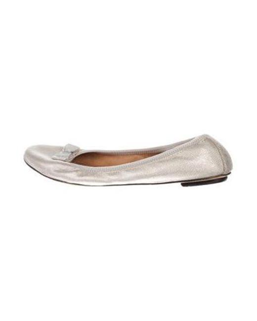 99ec9317a3 Ferragamo - Gray Leather Bow Flats Grey - Lyst ...