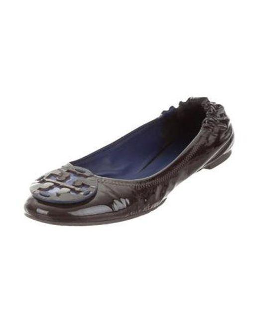 ddb953b6b181 ... Tory Burch - Black Reva Round-toe Flats - Lyst ...