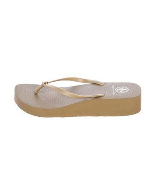 93d8f1fc3fe4 Tory Burch - Natural Rubber Thong Sandals Beige - Lyst ...