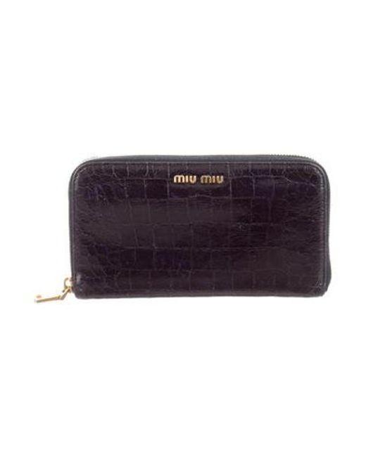 e4c36c3d501d Miu Miu - Metallic Miu Embossed Leather Wallet Navy - Lyst ...