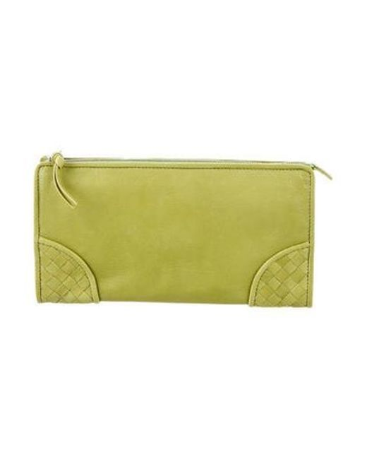 bb9b935a93c7 Bottega Veneta - Natural Intrecciato-trimmed Zip Pouch Lime - Lyst ...