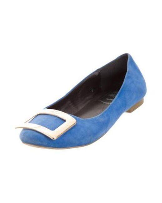 b8c2744d8 ... Roger Vivier - Metallic Suede Ballet Flats Blue - Lyst ...