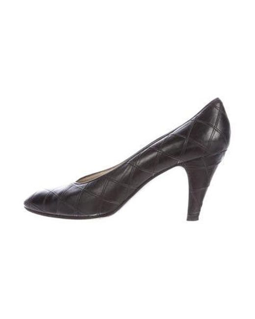 Chanel - Black Quilted Leather Pumps - Lyst