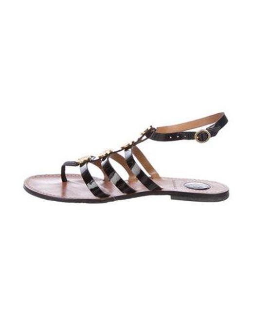 3c3154018c5cf Tory Burch - Metallic Patent Leather Logo Sandals Black - Lyst ...