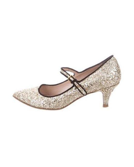 9d720b16d675 miu-miu-Metallic-Miu-Pointed-toe-Glitter-Pumps-Gold.jpeg