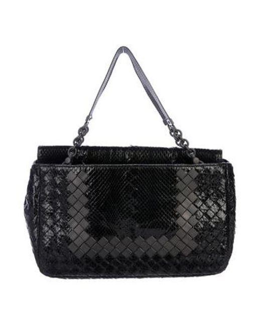 0b02bbcd88e0 Bottega Veneta - Black Intrecciato Snakeskin Handle Bag - Lyst ...