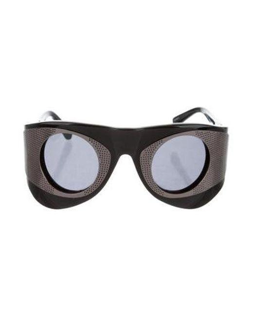 030d9c9bc5de Linda Farrow - Black Tinted Shield Sunglasses - Lyst ...