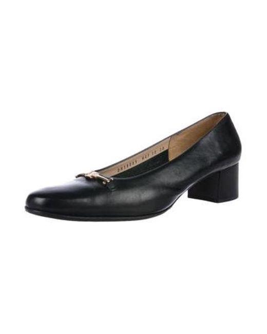 3f5dfb1e37ad ... Ferragamo - Metallic Leather Round-toe Pumps Black - Lyst ...