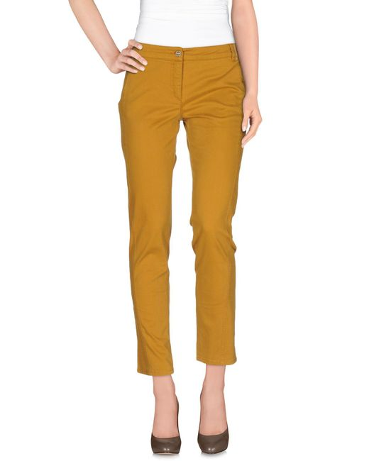 Alviero Martini 1A Classe - Natural Casual Pants - Lyst