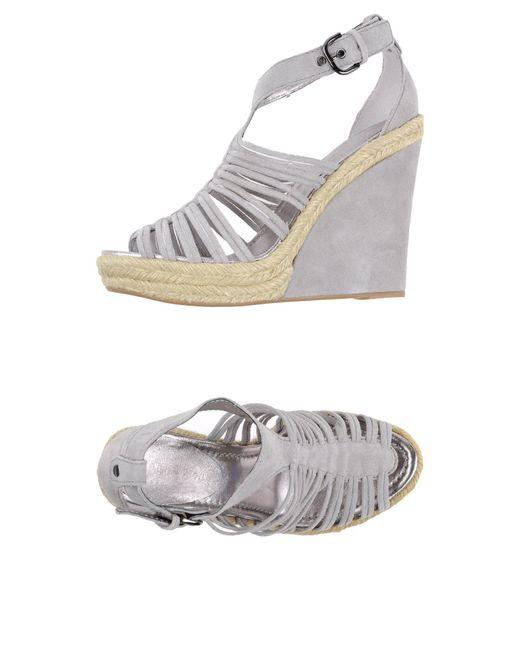 Apepazza - Gray Sandals - Lyst