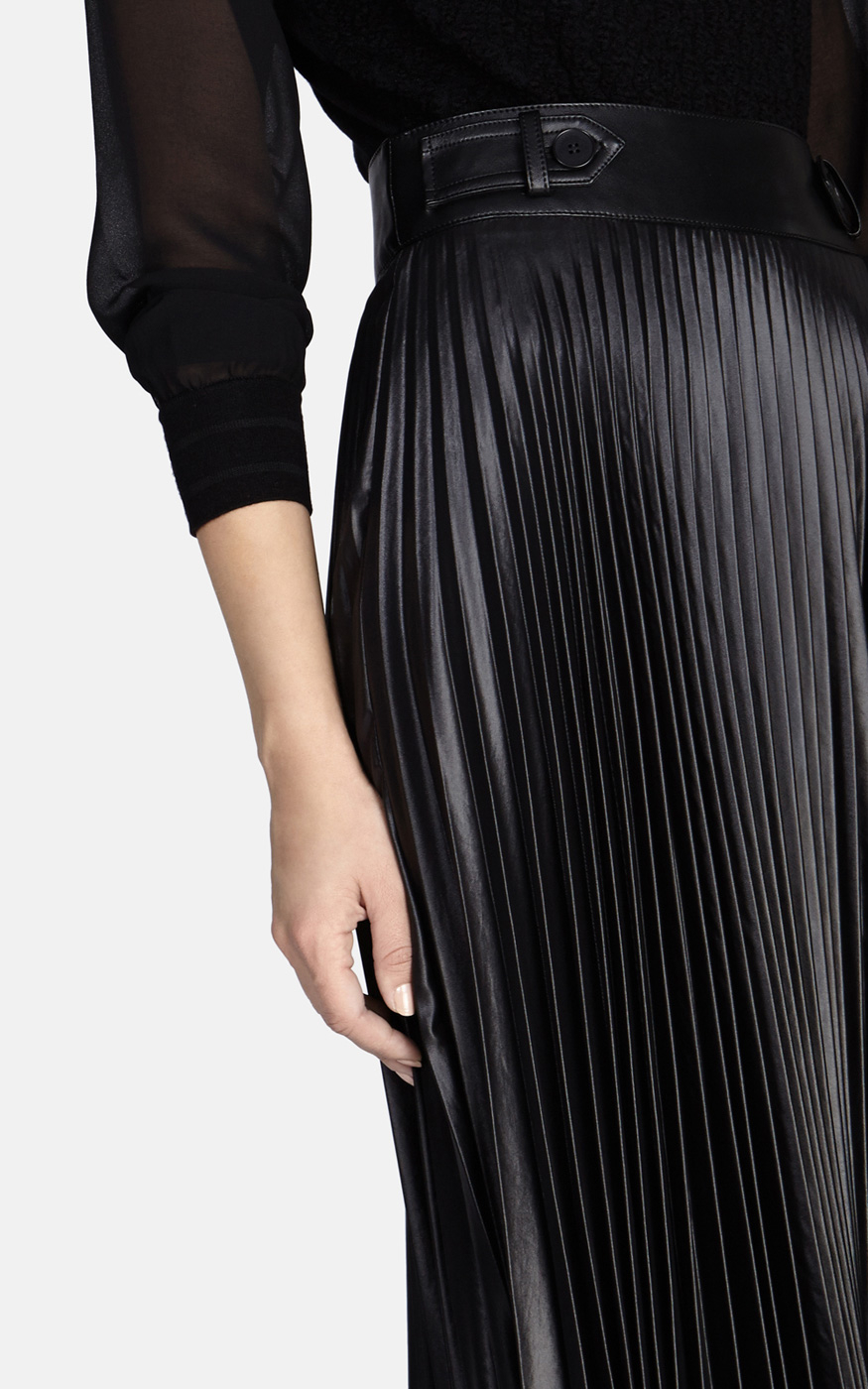 fd6873a3d99 Karen Millen Pleated Skirt in Black - Lyst