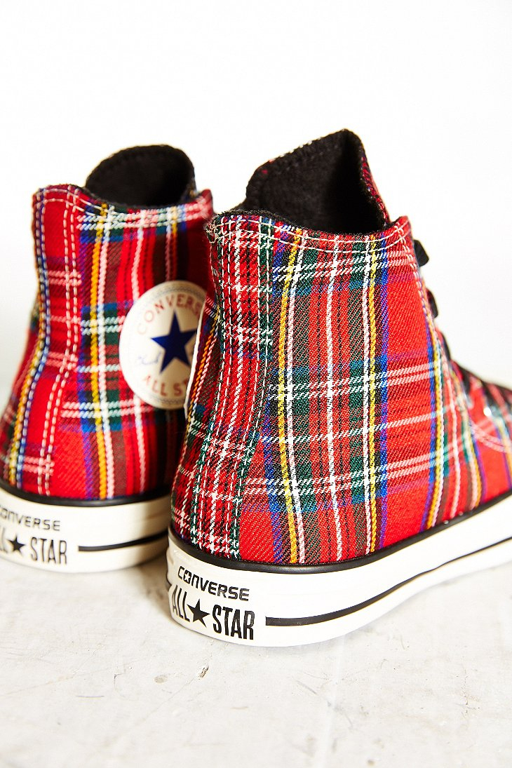 d196fdd12e1 Gallery. Previously sold at  Urban Outfitters · Women s Converse Chuck  Taylor