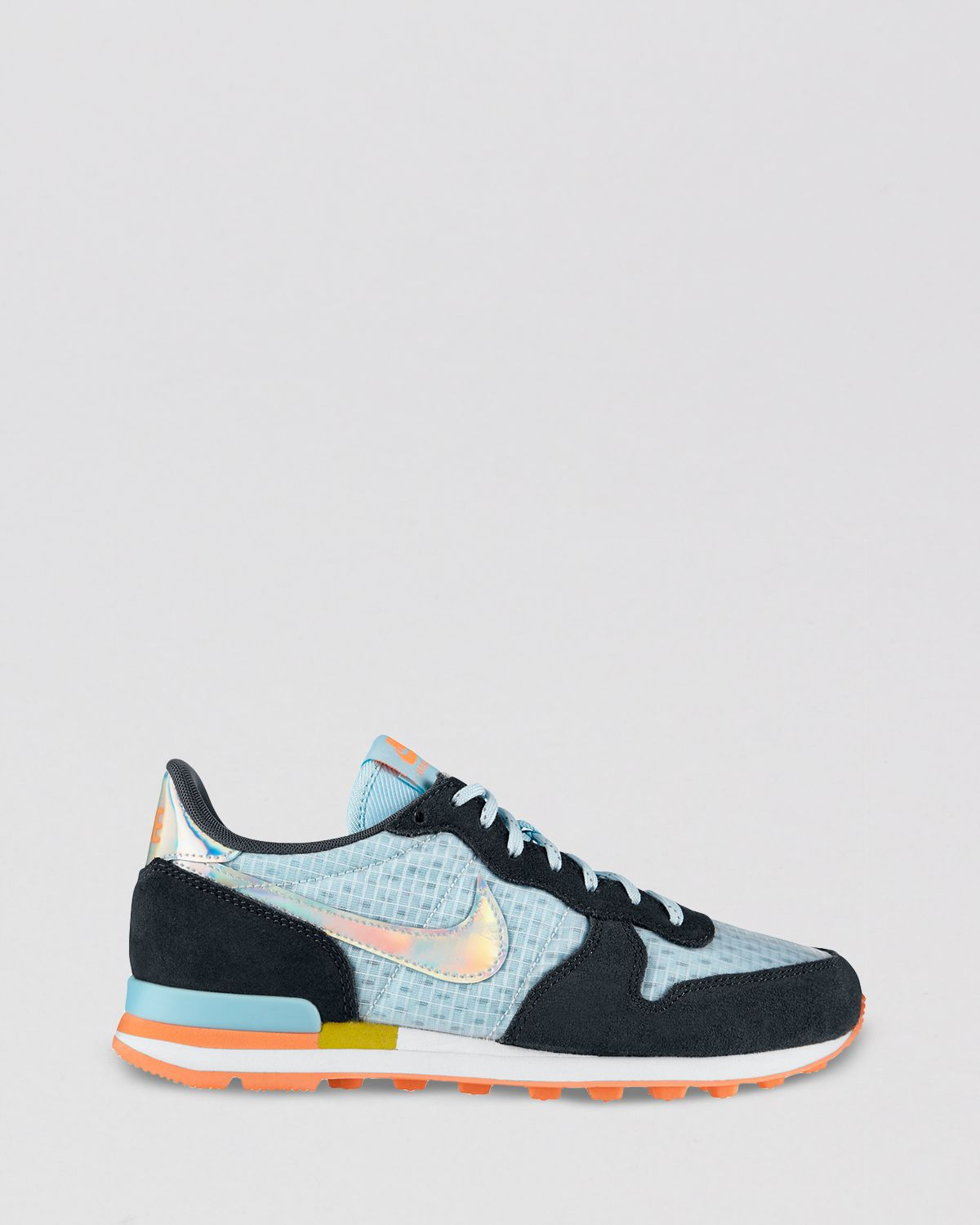 nike low top shoes womens