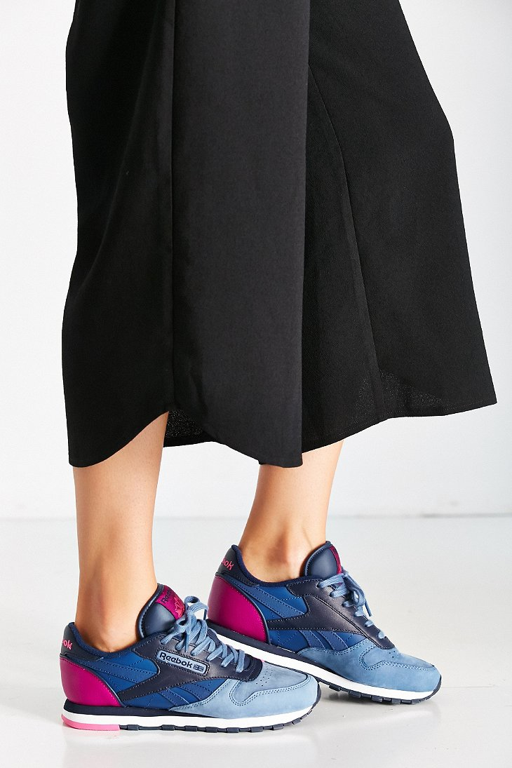 b6d3a82dc72b54 Gallery. Previously sold at  Urban Outfitters · Women s Reebok Classic  Leather ...