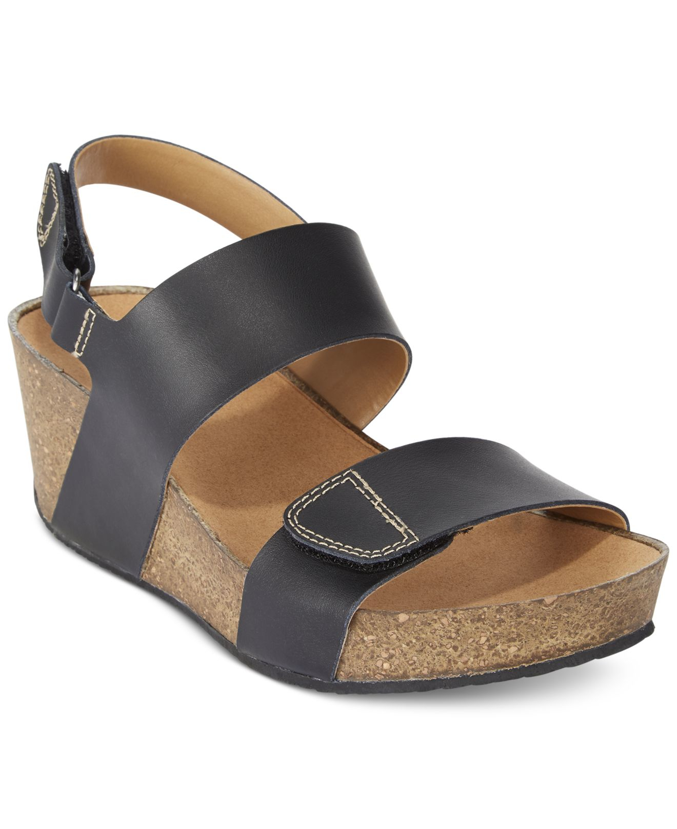 e1b306f59bb9 Lyst - Clarks Collection Women s Auriel Fin Sandals in Black