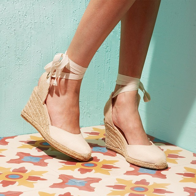 6ce0dd6f8ae Soludos Tall Wedge in Natural - Lyst