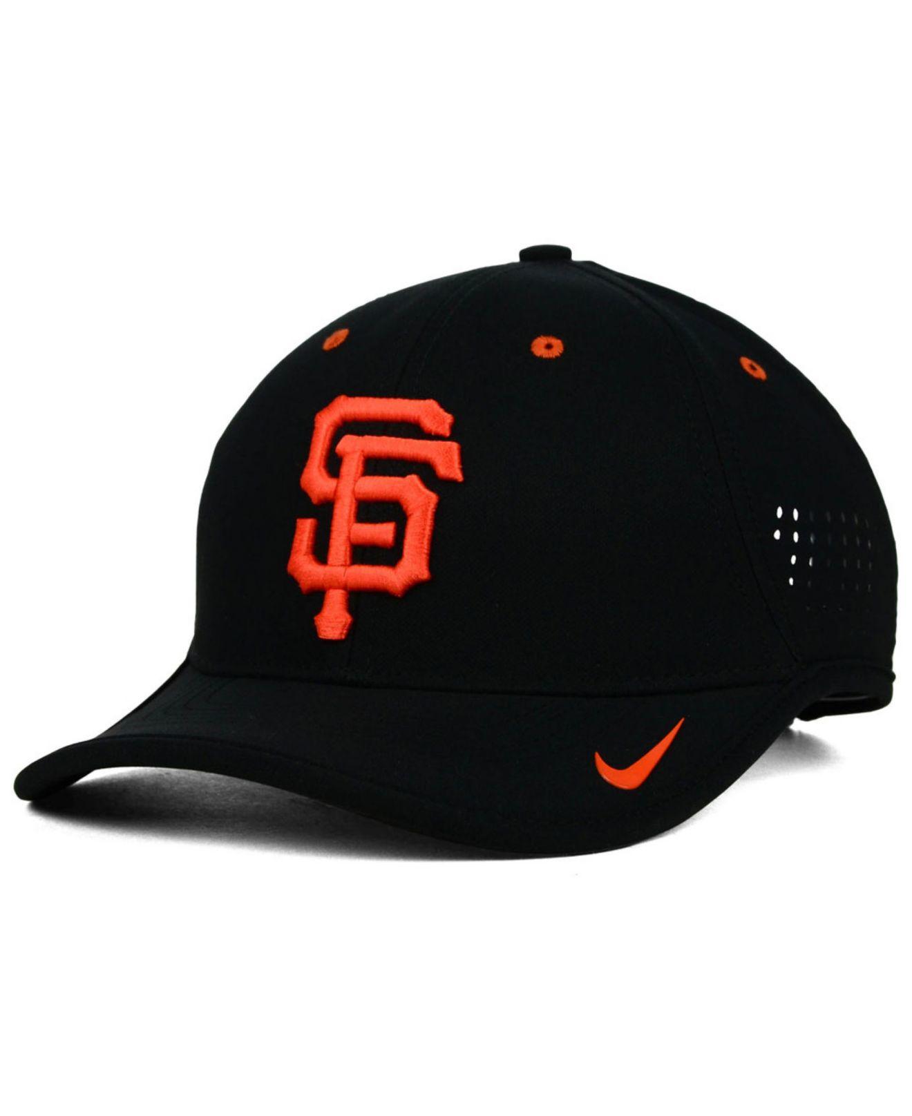 separation shoes df20b cad0b Nike San Francisco Giants Vapor Swoosh Adjustable Cap in Black for ...