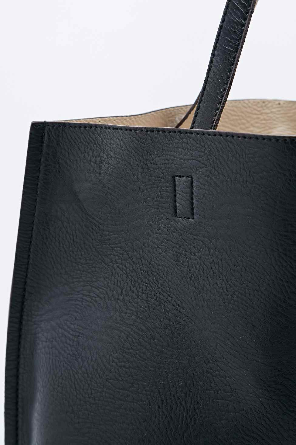 e8fb4050b3e52 Gallery. Previously sold at: Urban Outfitters · Women's Reversible Bags