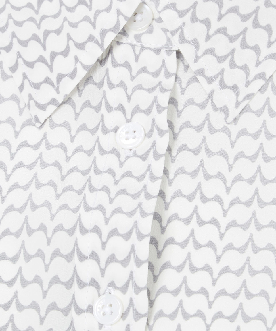 Uno De 50 Necklace also Equipment White Shiloh Geometric Print Collared Shirt additionally 4034121 moreover Women Pants Technical Drawing With Fantastic Inspirational In Us additionally Lucy Clothes 8. on pleated collar
