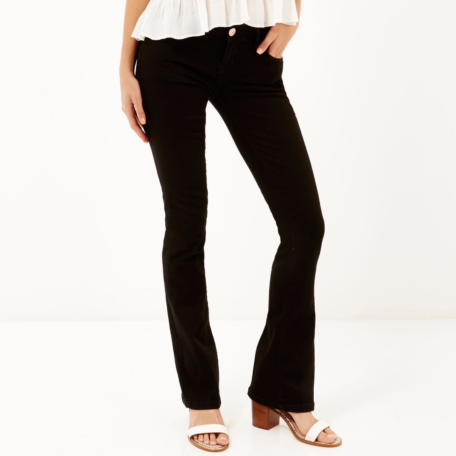 Bootcut jeans are back with wear-with-anything ease. With an extra-streamlined finish, Talbots loves the way this cut stretches and shapes.