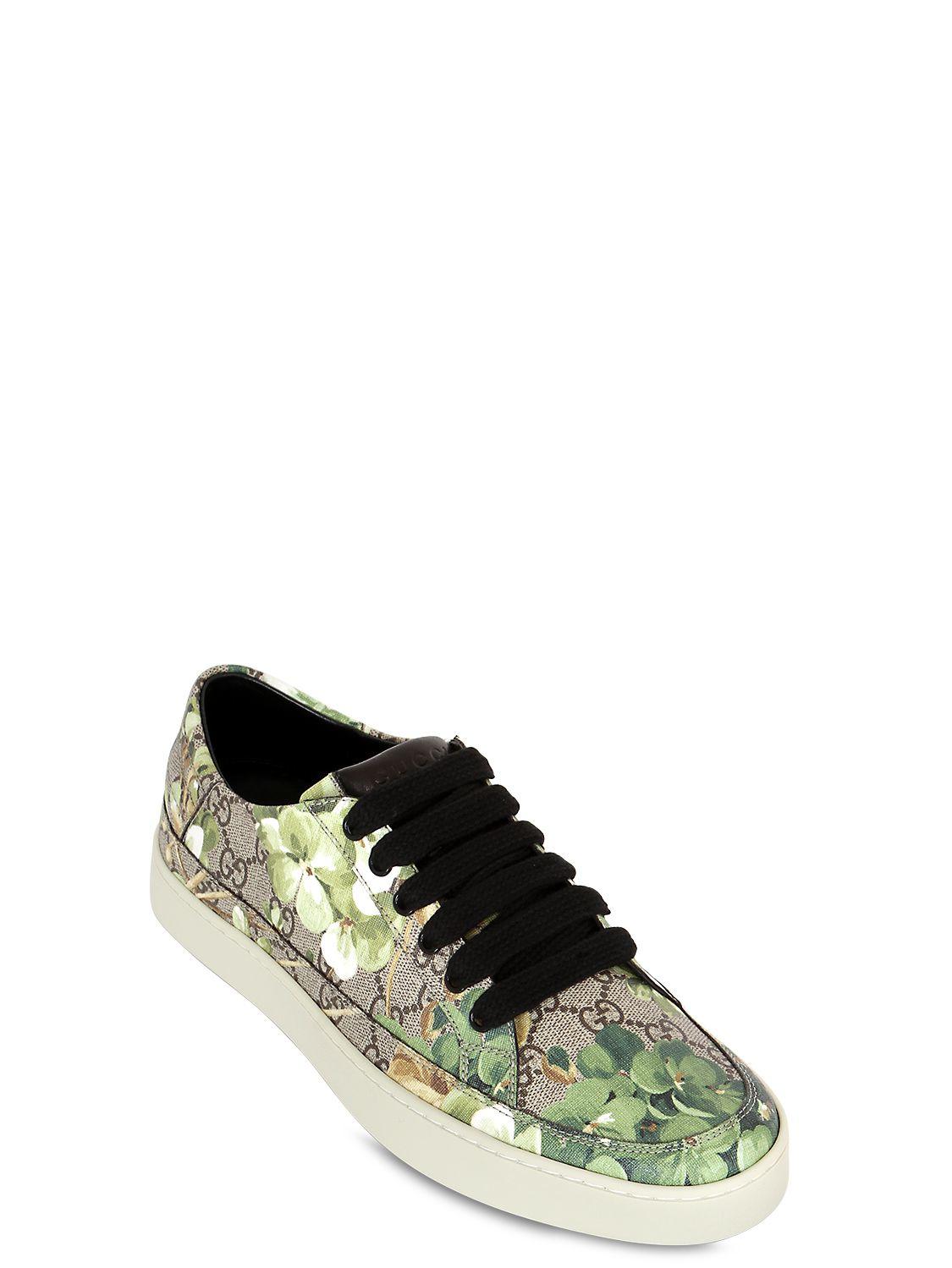 f8743f2def3e Gucci Common Gg Supreme Sneakers in Natural for Men - Lyst