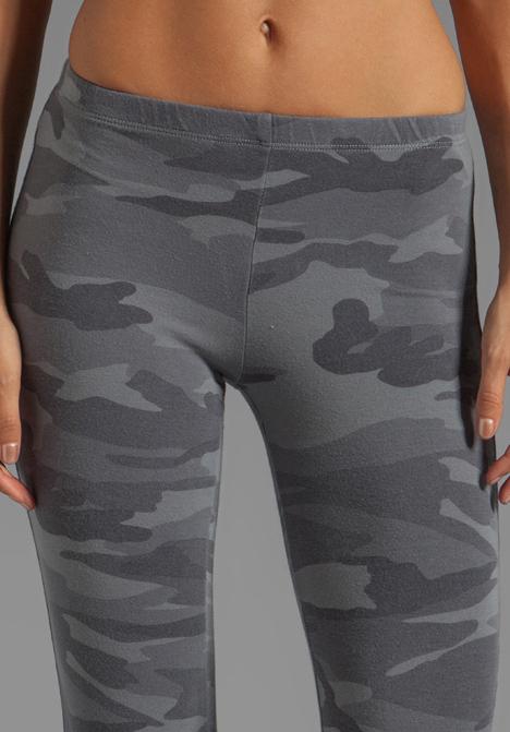 eb30161c1aada Splendid Camo Print Leggings in Gray in Gray - Lyst