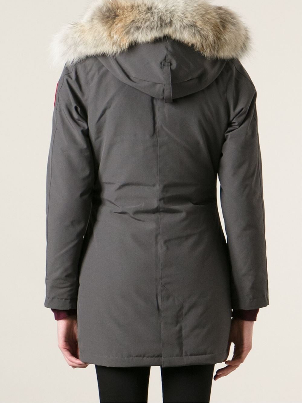 efc1830f39c8 Gallery. Previously sold at  Farfetch · Women s Canada Goose Victoria ...