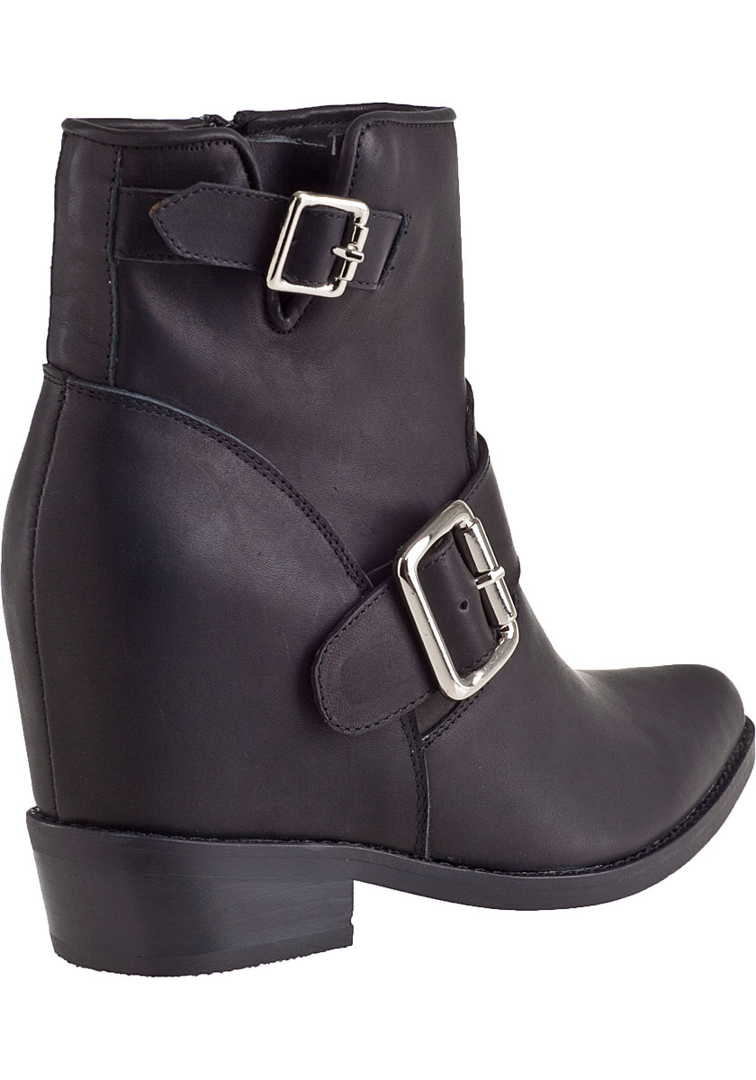 jeffrey cbell wenda ankle boot black leather in black